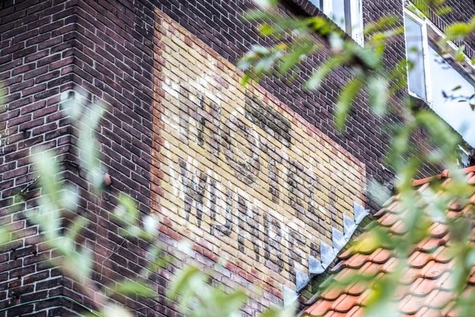 De muurschildering op het voormalige Hotel Wijnberg. Foto Frans Paalman