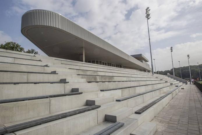 Het nieuwe clubhuis wordt vanwege zijn vorm nu al 'het schip' genoemd.