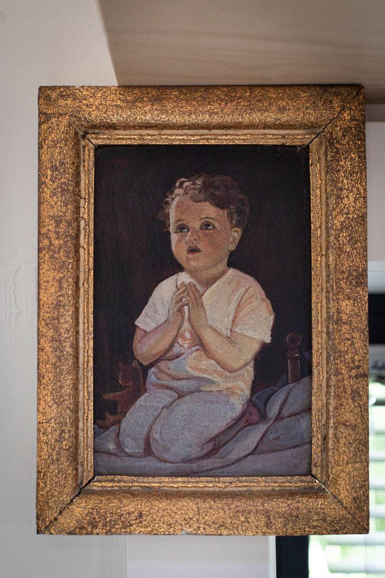 Een portret van Hertmans, geschilderd door zijn grootvader.  Beeld Siska Vandecasteele