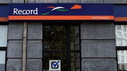 Juridisch steekspel over klanten Record Bank