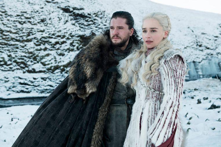 Kit Harington als Jon Snow en Emilia Clarke als Daenerys Targaryen.
