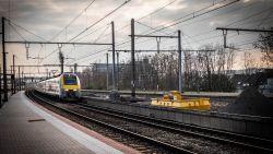 Meerdere verdachte pakketten gevonden op sporen: treinverkeer tussen Jette en Asse onderbroken