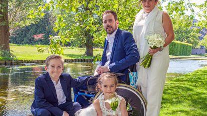 """Vijf jaar geleden stond Jan (36) op trouwen en kreeg hij de diagnose MS, nu is het er toch van gekomen: """"Ik ben met mijn gat in de boter gevallen"""""""