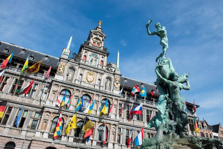 Het beeld Brabo in Antwerpen.