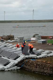 Westvoorne wil drie zonnevelden en test drijvende panelen