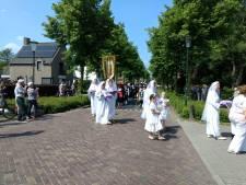 Ommelse processie in een nieuw jasje