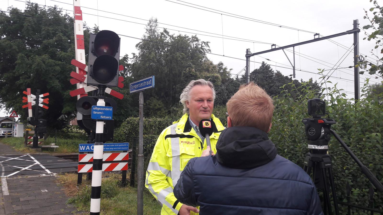 Algemeen directeur Pier Eringa van ProRail wil het liefst af van álle overwegen langs het spoor.