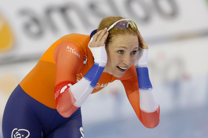 Carlijn Achtereekte, of the Netherlands, reacts after competing during the women's 3,000 meters at the world single distances speedskating championships Thursday, Feb. 13, 2020, in Kearns, Utah. (AP Photo/Rick Bowmer) p14-2-20