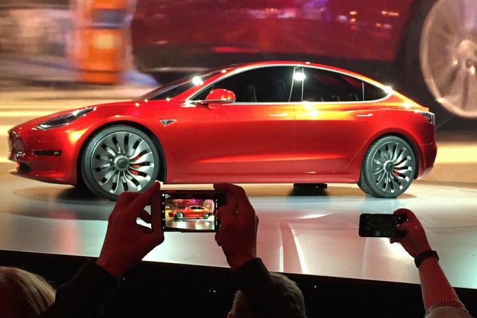 Tesla Motors onthulde vorig jaar al de nieuwe Model 3.