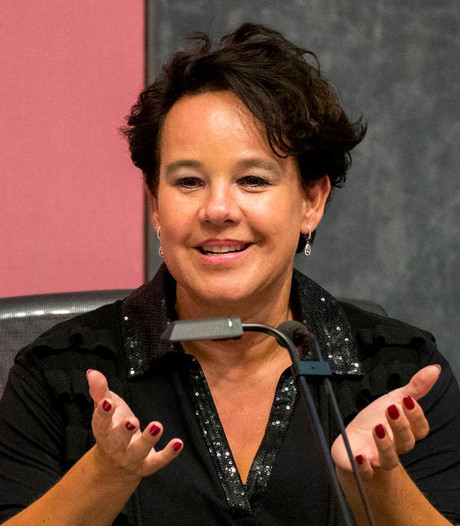 Wethouder Sharon Dijksma wil kademuren duurzaam stutten