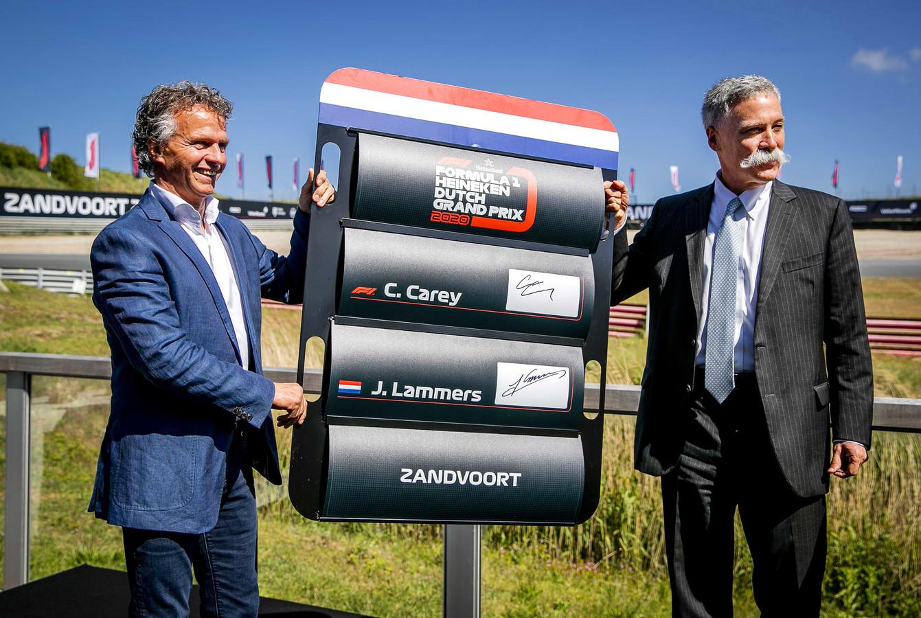 Jan Lammers (l) en Formule 1-directeur Chase Carey.