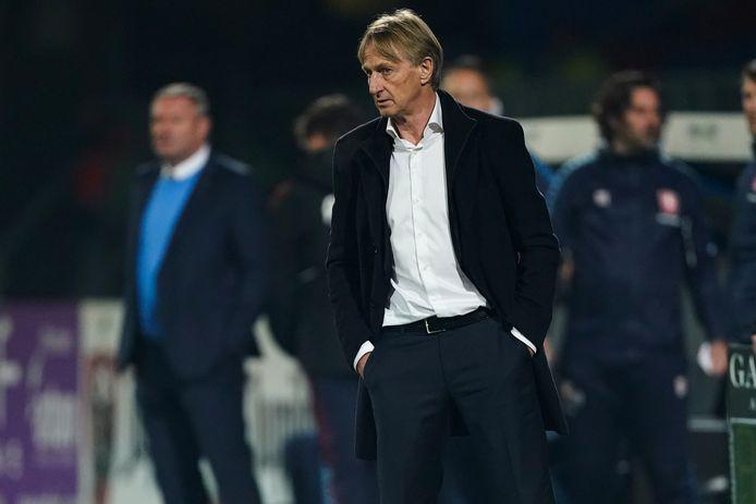 Willem II-coach Adrie Koster tijdens de thuiswedstrijd tegen FC Twente.