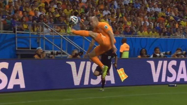 Aanname Robben tegen Costa Rica tijdens WK 2014. Beeld YouTube