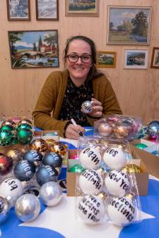 Schiedamse kerstballen met persoonlijke boodschappen zijn populair