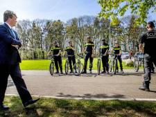 Willem-Alexander bezoekt Politieacademie Apeldoorn