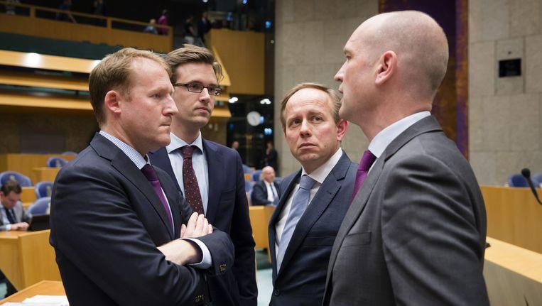 (v.l.n.r.) Kees Verhoeven (D66), Sjoerd Sjoerdsma (D66), Kees van der Staaij (SGP) en Gert-Jan Segers (Christenunie) tijdens het debat over de uitslag van het referendum. Beeld anp