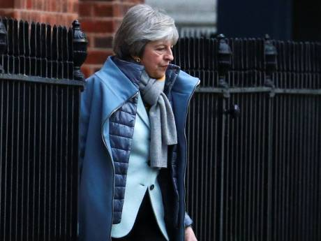 May voert crisisoverleg over brexit