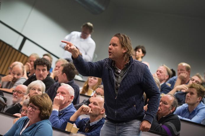 Herman Pieter Prangsma tijdens het boerendebat van De Gelderlander