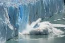 Het IPCC waarschuwt onder meer voor een sneller stijgende zeespiegel, smeltende ijskappen, afstervende gletsjers, extremere weersomstandigheden en een verstoring van de leefgebieden van dieren en planten in de oceaan.