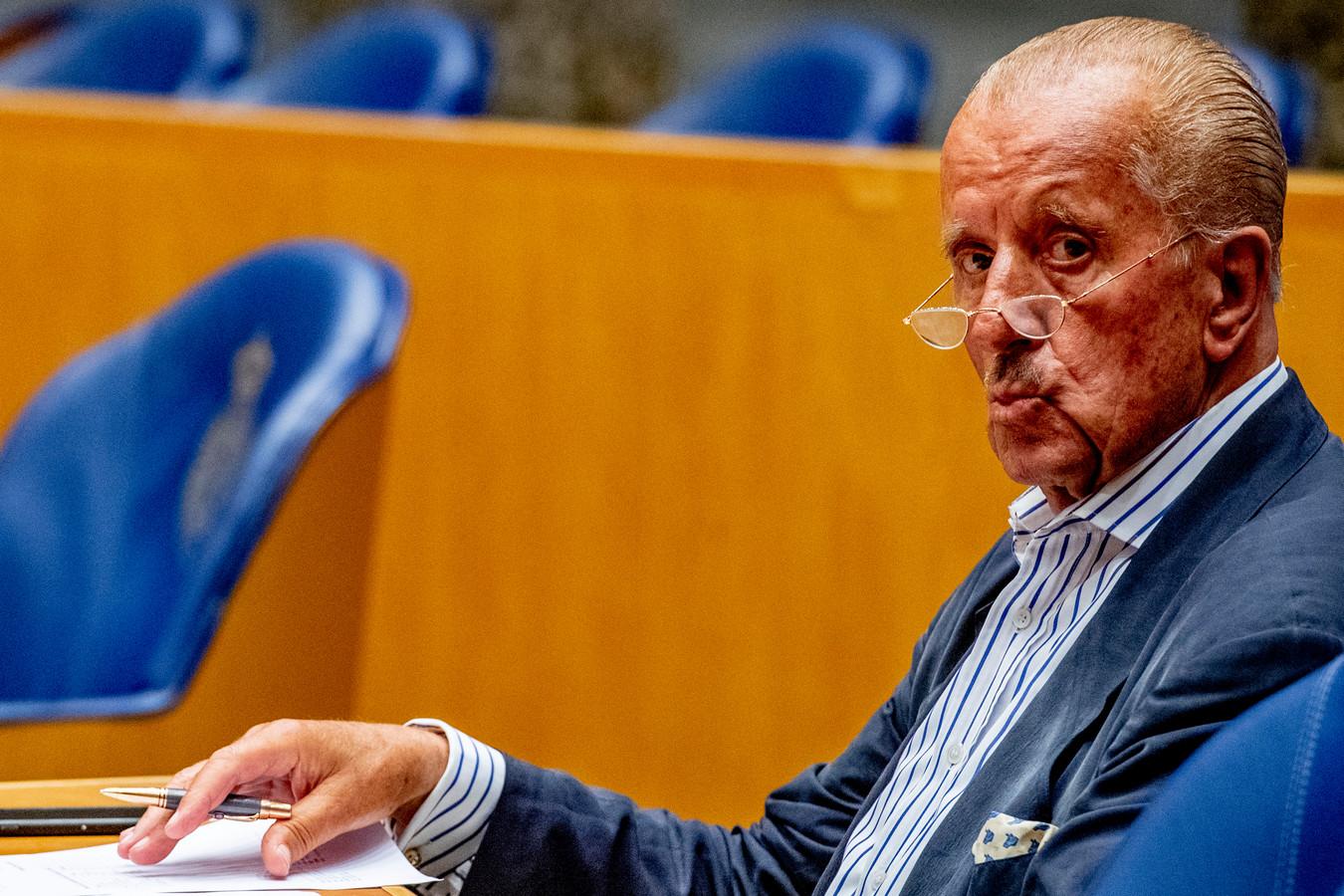 Theo Hiddema van Forum voor Democratie (FvD) doneert namens zijn advocatenfirma ook flink aan de partij.