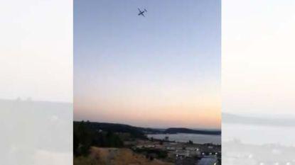 Mecanicien (29) kaapt leeg passagiersvliegtuig op luchthaven Seattle. Hij doet enkele loopings boven zee en stort neer
