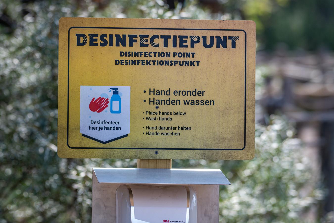 Een desinfectiepunt in Emmen.