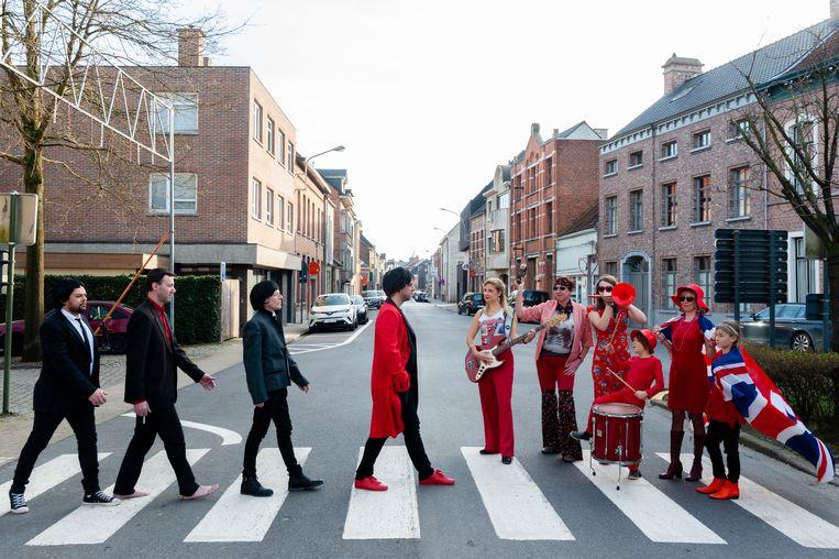 Voor de affiche zocht het Orkest van de Rode Muizen eveneens inspiratie bij The Beatles en Rolling Stones