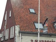 Na 25 jaar weer ooievaarskoppel op het dak  van 't Swaantje in Ottersum