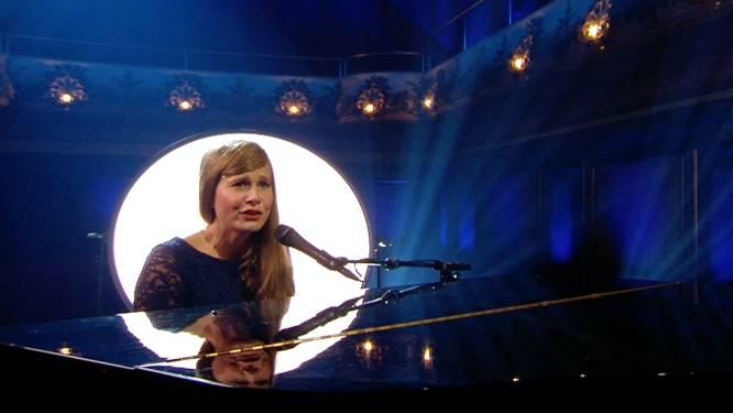 Nathalie Meskens zingt als Astrid Stockman de pannen van het dak in 'RIP 2020'