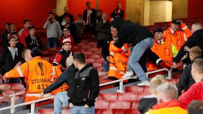 Aftrapuur verschoven door vechtpartijen in en rond stadion, daarna is Arsenal FC Keulen met 3-1 de baas