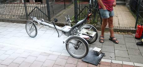 Accu elektrische ligfiets in brand tijdens opladen