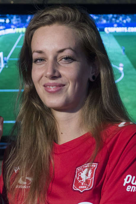 Deze dame van FC Twente is de schrik van elke FIFA-speler