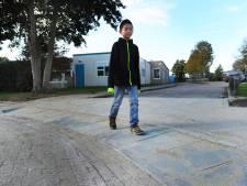Nieuwe drempel voor lagere snelheid bij Vlissingse Theo Thijssenschool