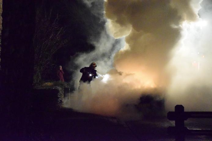 Autobrand aan de Groenezoom in Waddinxveen.