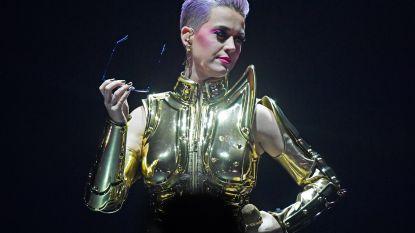 Katy Perry stoot Taylor Swift van troon als best betaalde muzikante: 83 miljoen euro op een jaar tijd