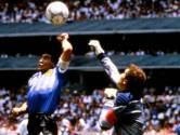 """""""Maradona had grootsheid in zich, maar was niet sportief"""": in Engeland hebben ze 'Hand van God' nog niet verteerd, tabloid noemt hem zelfs """"bedrieger"""""""