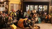 "Draeckenieren: ""Vorige week tentenkamp op dorpsplein van Dendermonde, nu ook op Grote Markt voor ons Geel Boekje"""