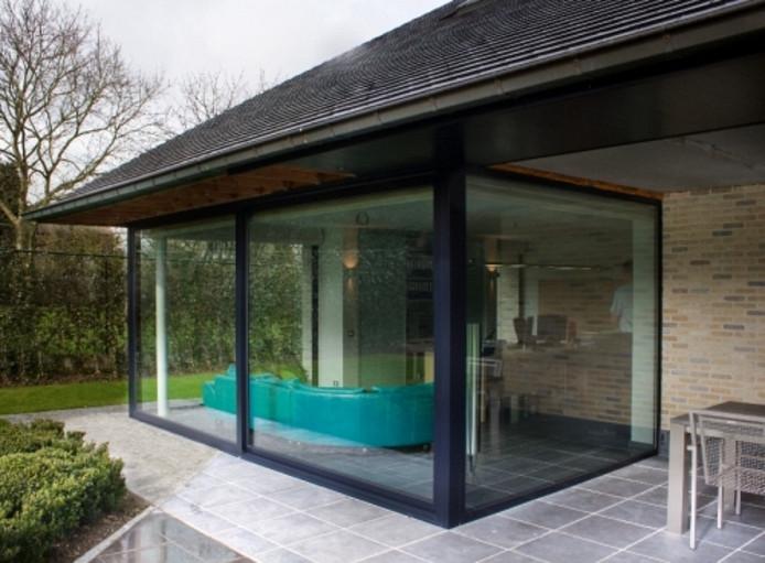Comme les vérandas sont essentiellement constituées de verre, le choix du bon vitrage est capital.
