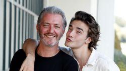 """Kürt Rogiers en 'Familie'-zoon Aaron Blommaert zijn twee handen op een buik: """"Tijdens zijn auditie was er al chemie tussen ons"""""""