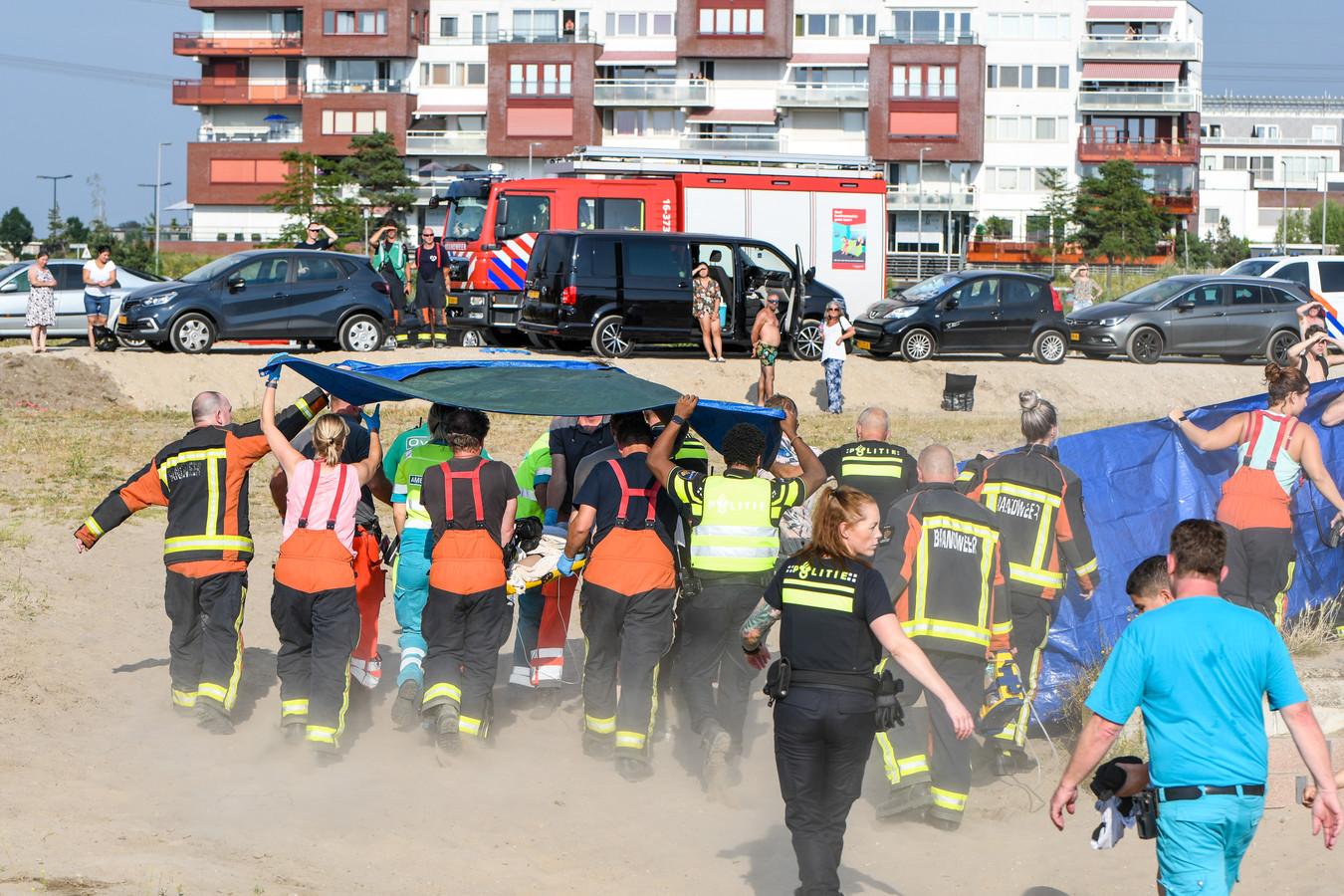 In de Zevenhuizerplas, bij het strand van Nesselande, is een jonge drenkeling uit het water gehaald. Later op de dag verdronk een 25-jarige man in het water bij Nesselande.