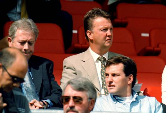 Louis van Gaal op de tribune bij Sparta - RBC (2000).