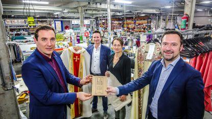 Erkenning na 115 jaar: Slabbinck, producent van liturgische gewaden, krijgt authenticiteitslabel