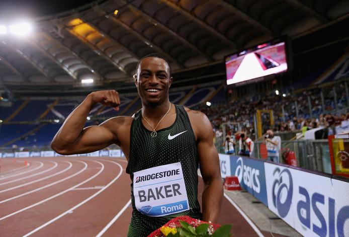 Ronnie Baker zet op de 100 meter de snelste tijd van het jaar neer.