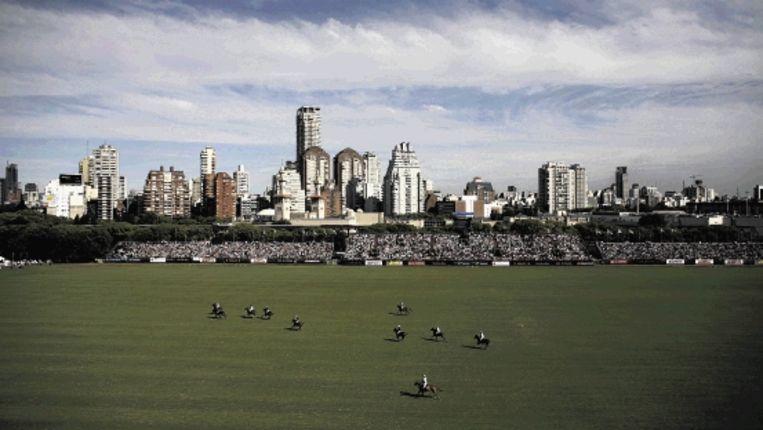 Een polowedstrijd in Buenos Aires, een sport voor de Argentijnse elite. (Trouw) Beeld ASSOCIATED PRESS