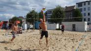 270 beachvolleyballers leven zich uit op Niel Plage