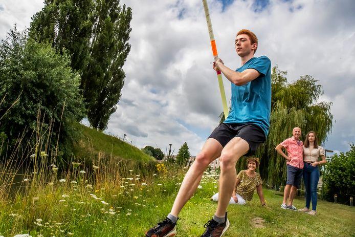 Peter de Kruyff (18), atleet van het Utrechtse Hellas gaat studeren en sporten aan de Lipscomb University in Nashville Tennessee.