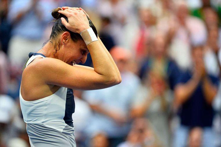 Pennetta kan niet geloven dat ze gewonnen heeft. Voorafgaand aan het toernooi besloot ze dat dit haar allerlaatste grandslamtoernooi zou zijn. Beeld afp