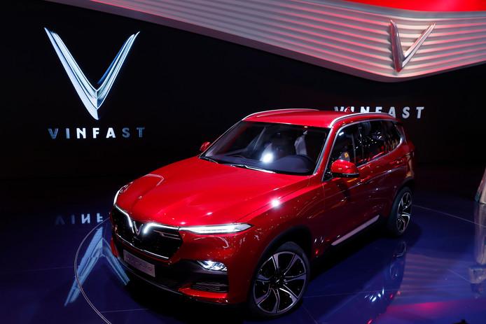 De VinFast Lux SA 2.0, een SUV, was vorig jaar al te zien op de autoshow van Parijs