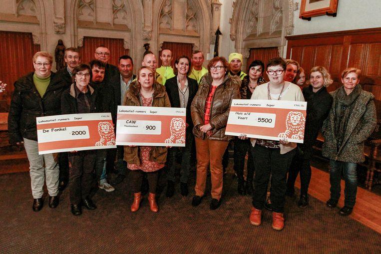 Loopclub 'De Lokomotief-runners' overhandigden cheques aan drie uitgekozen goede doelen.