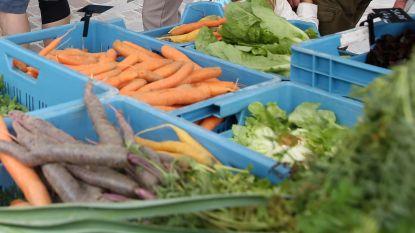 Markt in coronatijden: kramen worden gespreid over Possozplein en parking De Leide